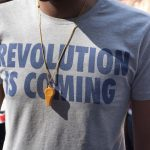 "T-shirt with the slogan ""Revolution is coming"""