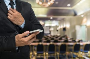 5 Reasons You Need Mobile Bidding At Your Next Auction Event